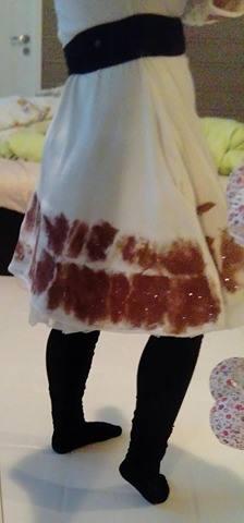 hvit kjole med glitter bakside